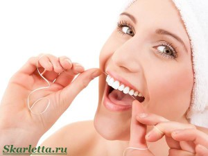 Зубная-нить-Как-правильно-выбрать-и-научиться-пользоваться-1